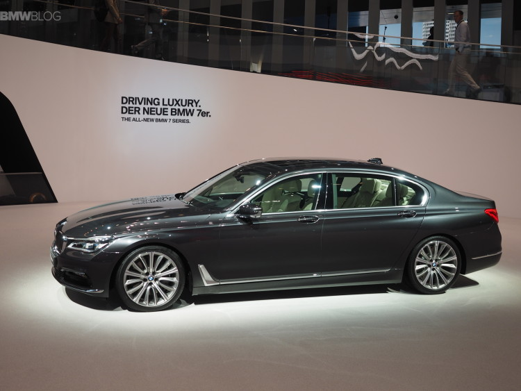 2016 bmw 7 series frankfurt images 07 750x563