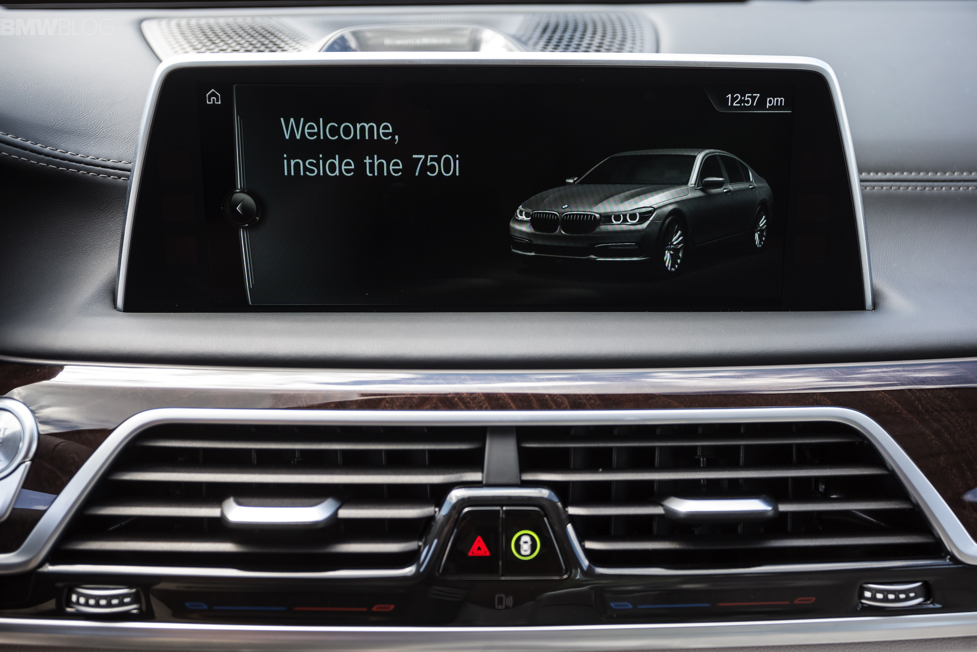 The 2016 Bmw X5 And X6 Will Get A Touchscreen Lcd For The
