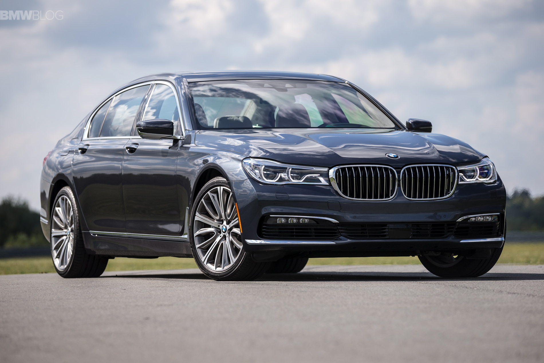 2016 bmw 7 series launch new york images 1900x 1200 39