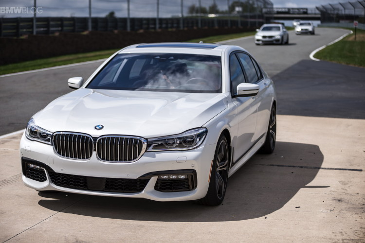 2016 bmw 7 series launch new york images 1900x 1200 86 750x500
