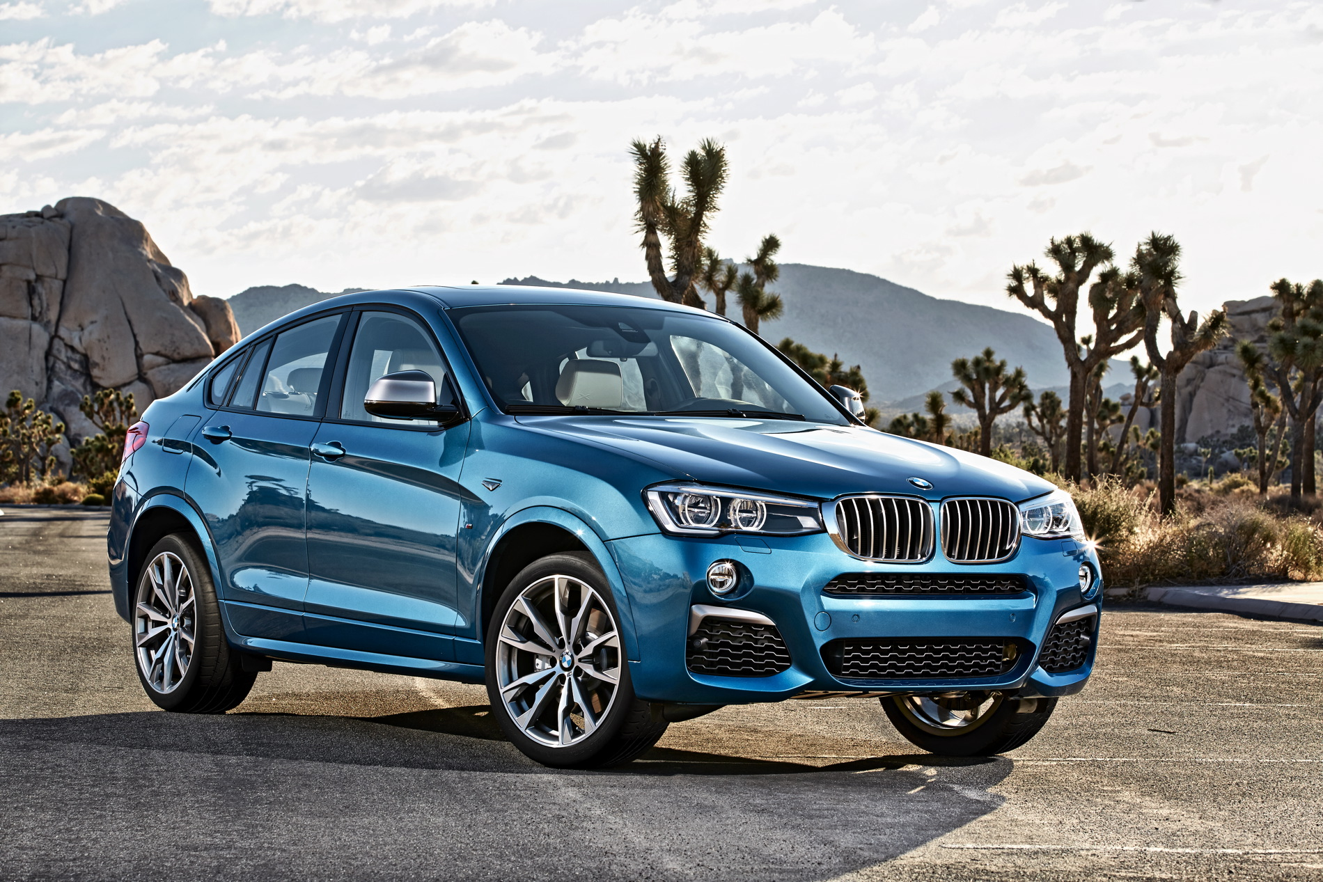 BMW X4 M40i official images 1900x1200 54