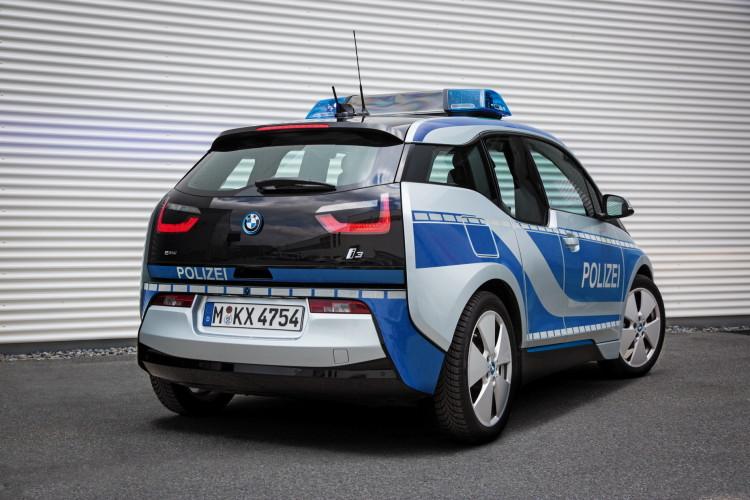 BMW i3 Munich police car images 03 750x500