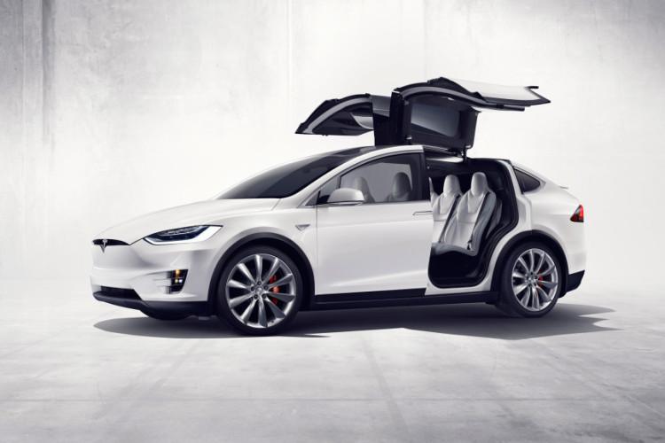 Model Tesla X images2 750x500