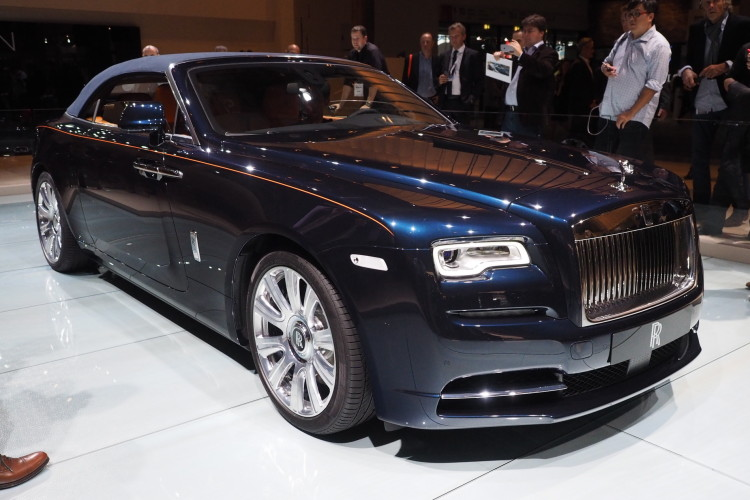 Rolls Royce Dawn images 1900x1200 071 750x500