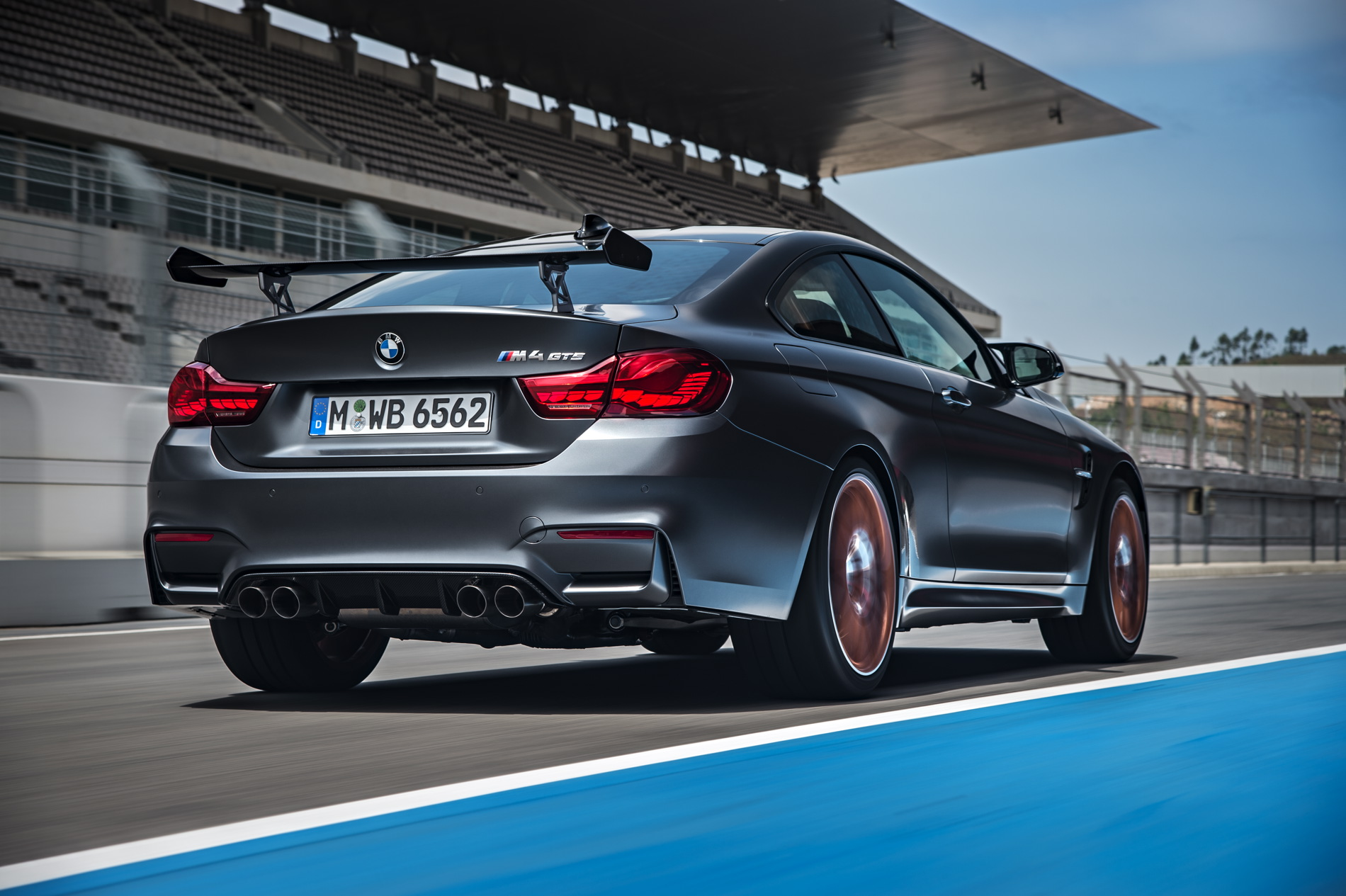 2016 BMW M4 GTS images 1900x1200 wallpaper 37