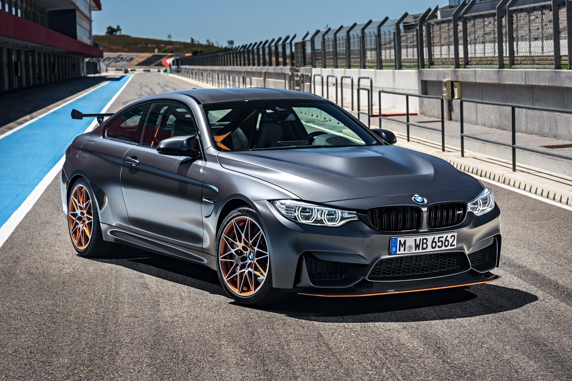 2016 BMW M4 GTS images 1900x1200 wallpaper 38