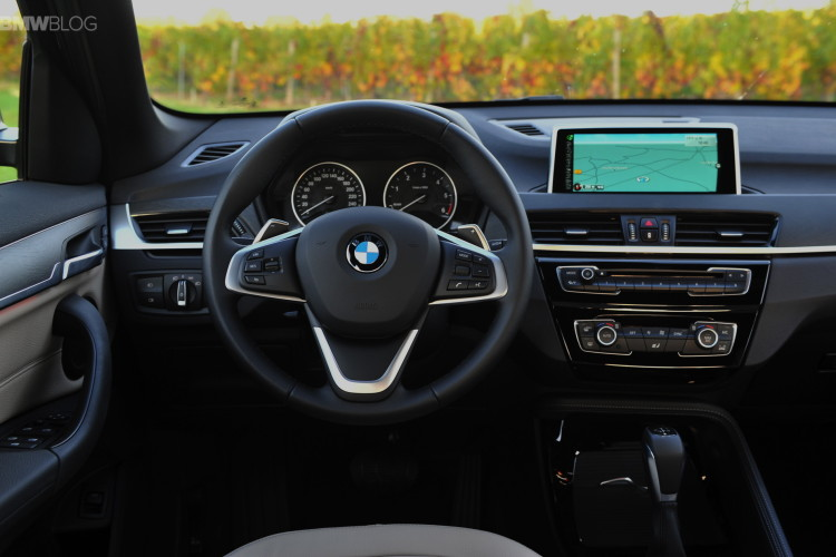 2016 BMW X1 Chestnut Bronze images 25 750x500