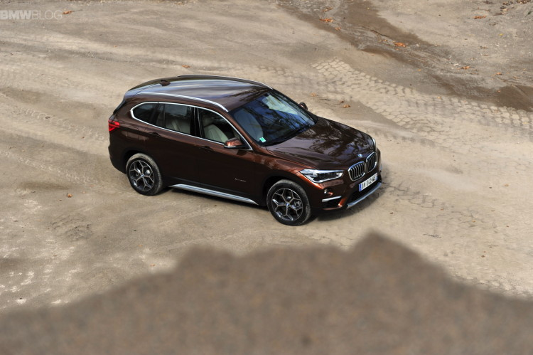 2016 BMW X1 Chestnut Bronze images 43 750x499