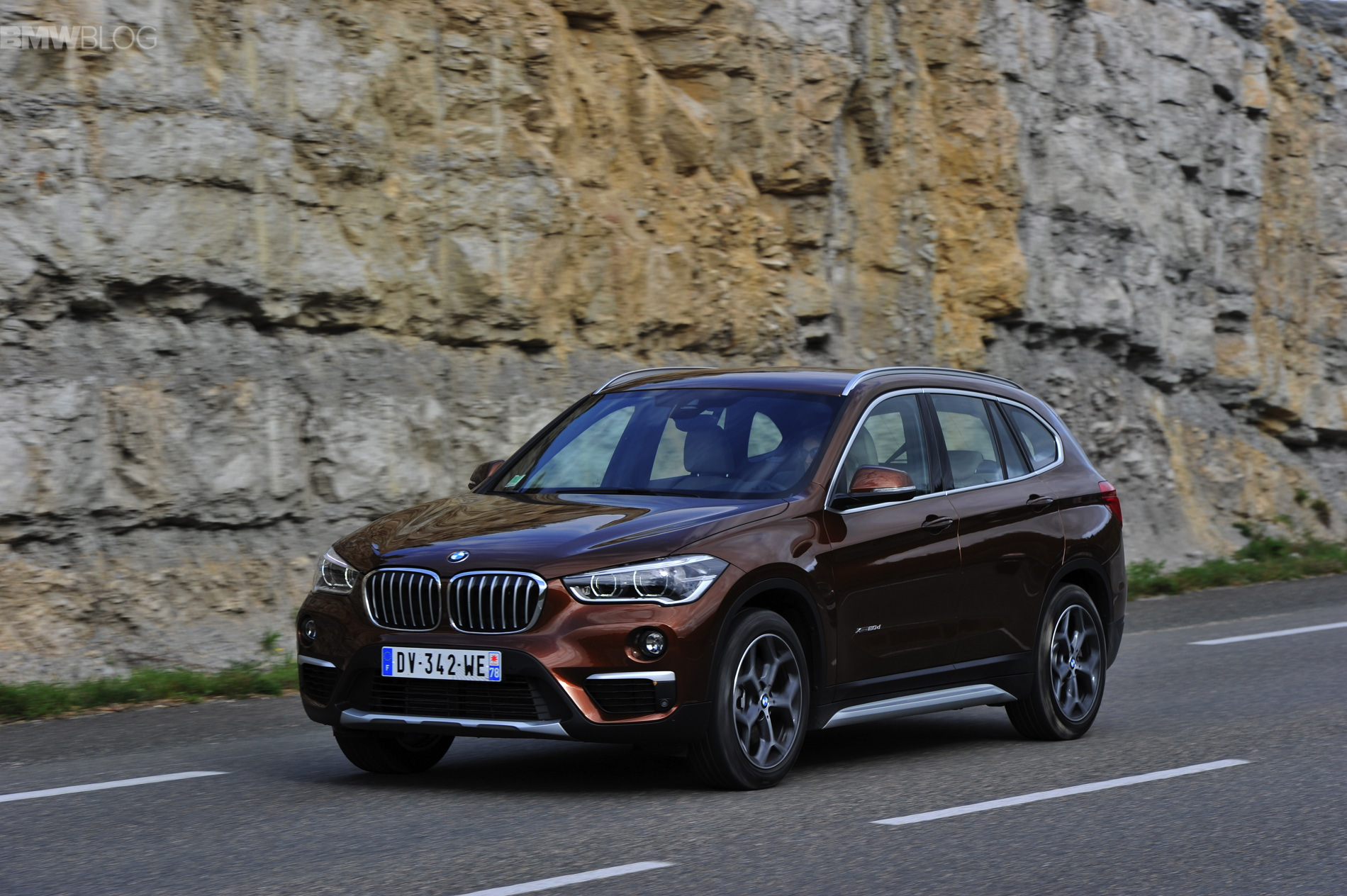 2016 BMW X1 Chestnut Bronze images 47