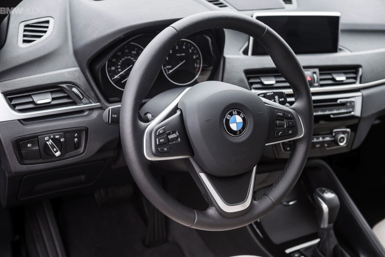 2016 bmw X1 xDrive28i test drive images 08 750x500
