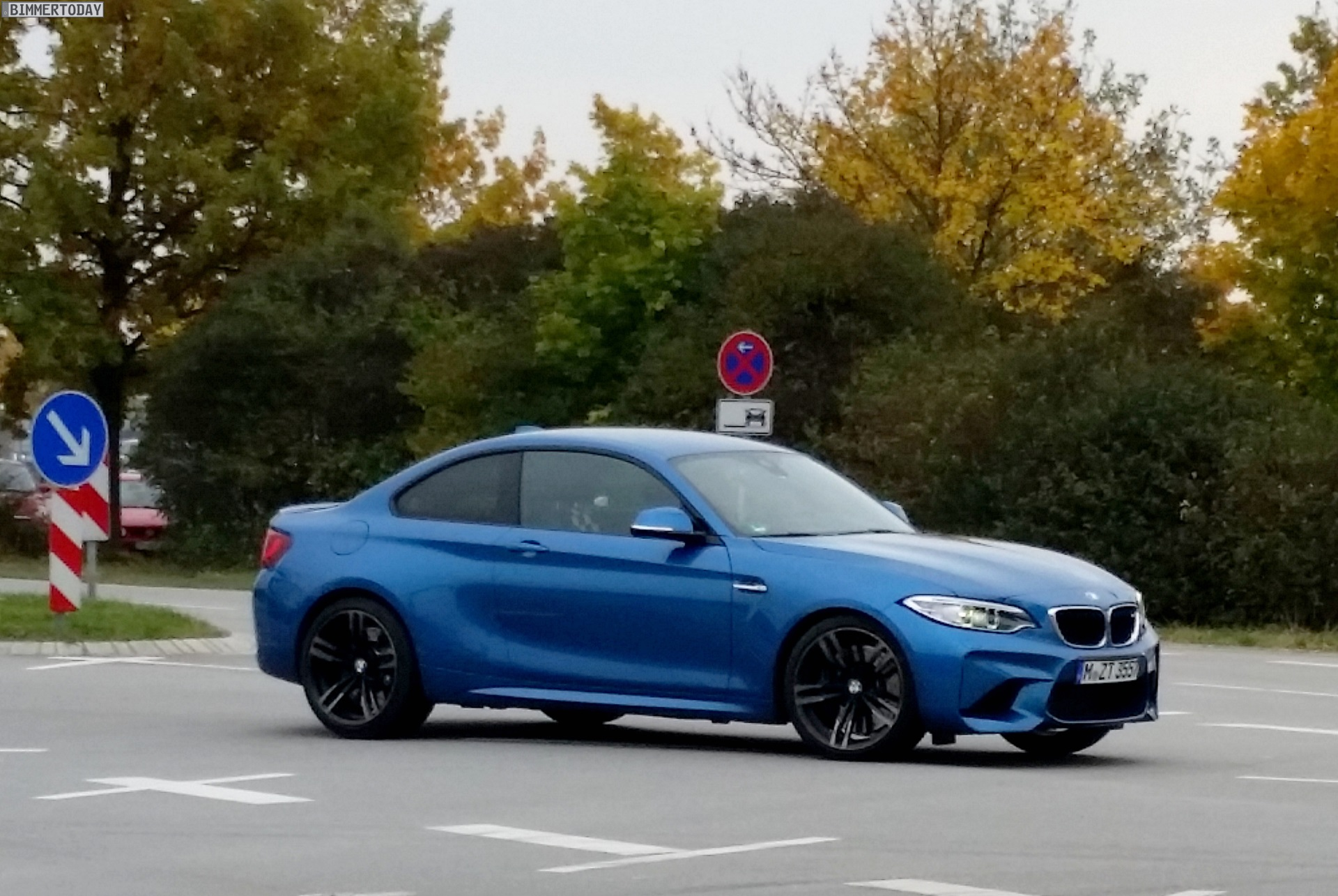 BMW M2 Live Photos 2