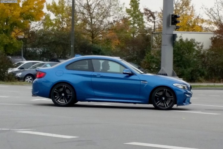 BMW M2 Live Photos 3 750x500