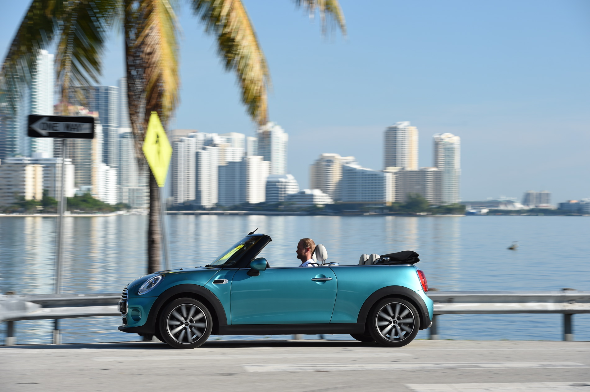 New 2016 MINI Convertible images 65