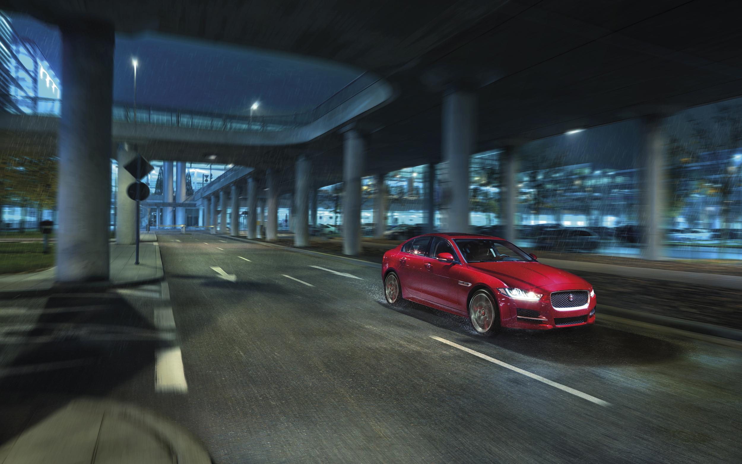 2017 jaguar xe 005 1