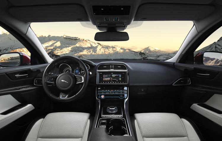 2017 jaguar xe 011 1 750x477