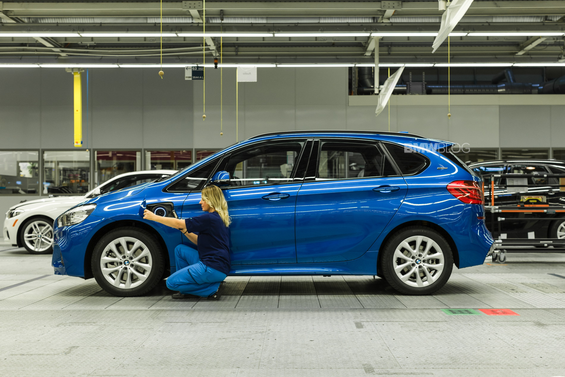 Bmw 225xe Active Tourer Kicks Off Production In Leipzig