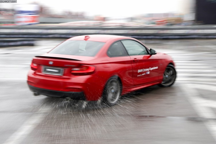 BMW M235i M Performance Drift Action EICMA 2015 01 750x500