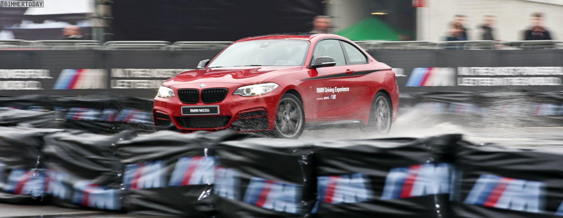 BMW M235i M Performance Drift Action EICMA 2015 02