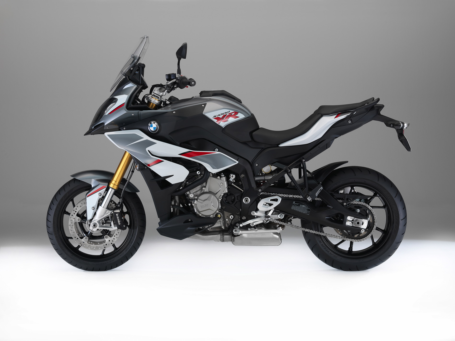 Bmw Adds New Multi Color Paint For The S 1000 Xr
