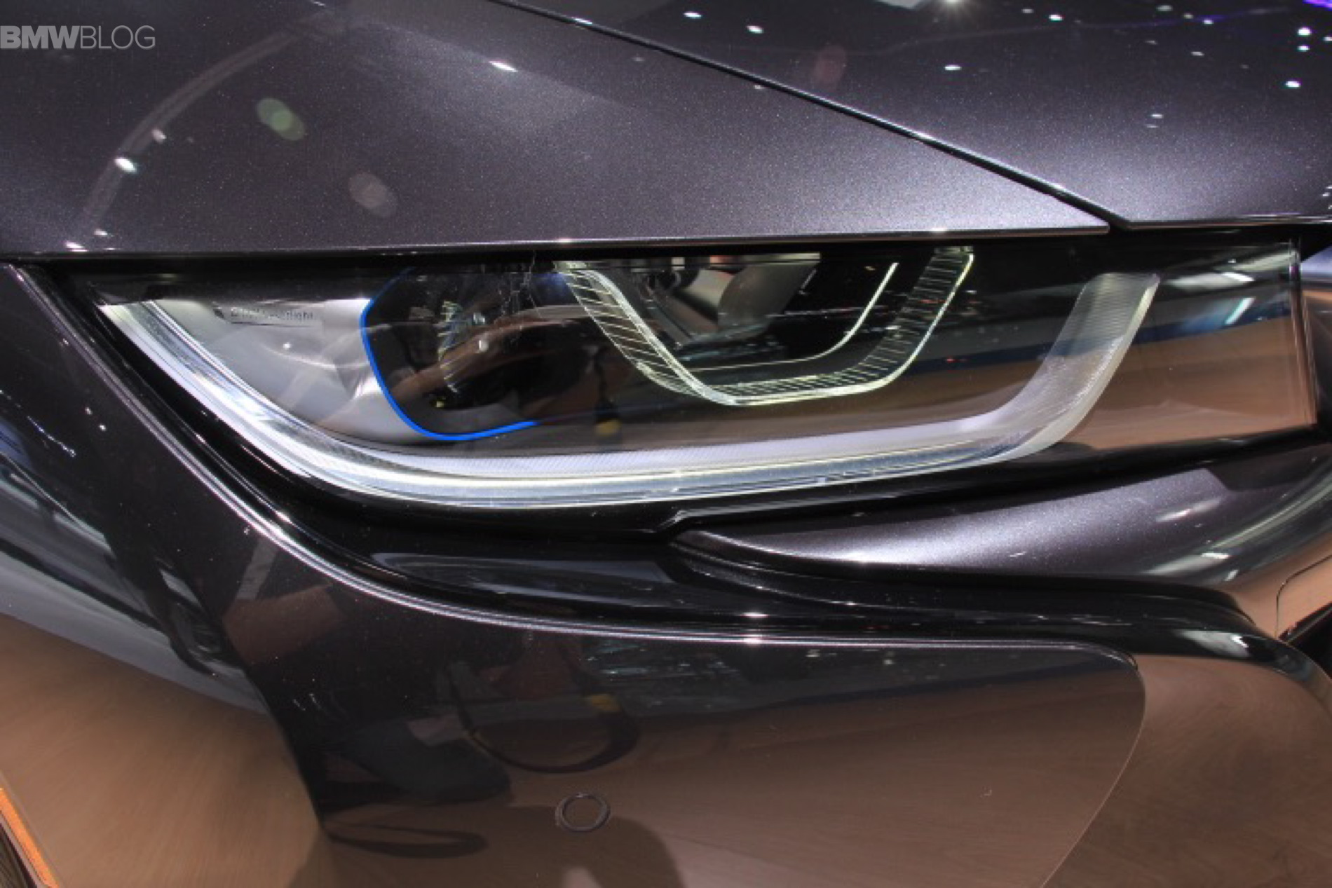 BMW I With Laser Lights For The US Debuts At LA Auto Show - Car laser light show