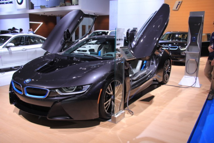 BMW i8 Laser Lights LA Auto Show 7 750x500