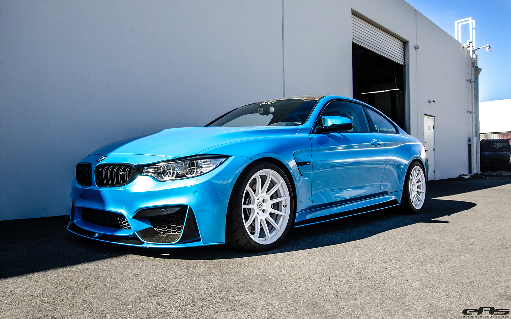 Pearlescent Mexico Blue Bmw F82 M4 Gets Modded