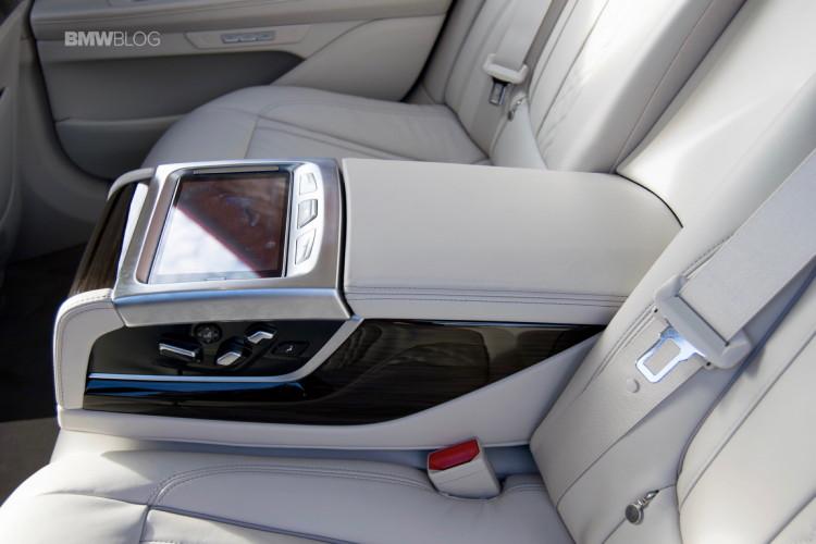 2016-BMW-730d-xDrive-test-drive-review-103