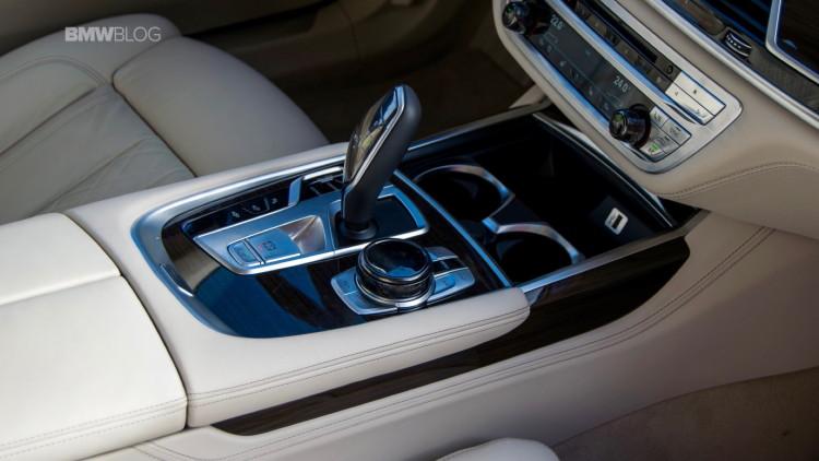 2016-BMW-730d-xDrive-test-drive-review-109