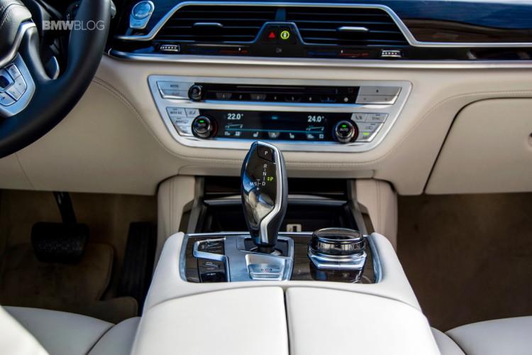 2016-BMW-730d-xDrive-test-drive-review-112