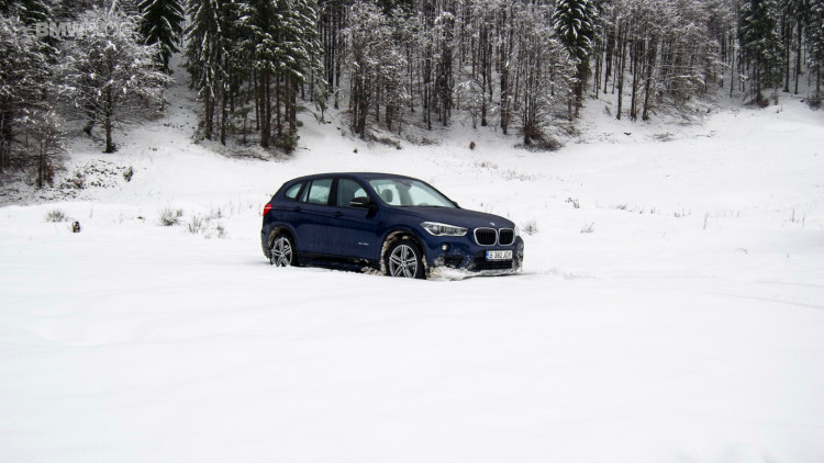 2016-bmw-x1-xdrive20d-test-drive- - 18