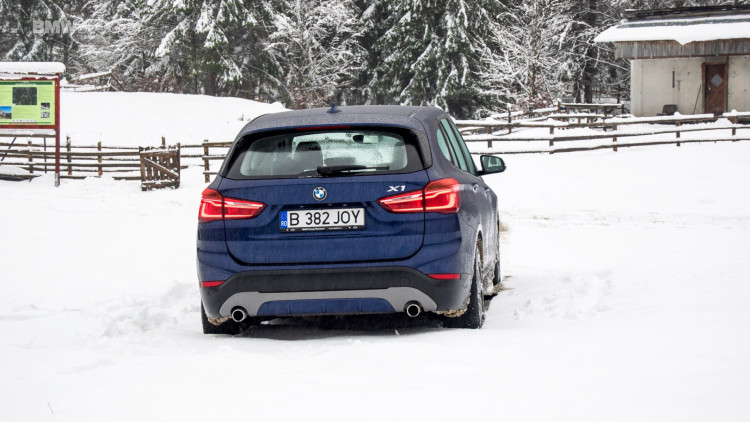 2016-bmw-x1-xdrive20d-test-drive- - 24