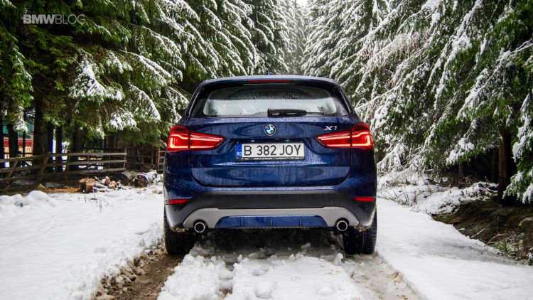2016-bmw-x1-xdrive20d-test-drive- - 8
