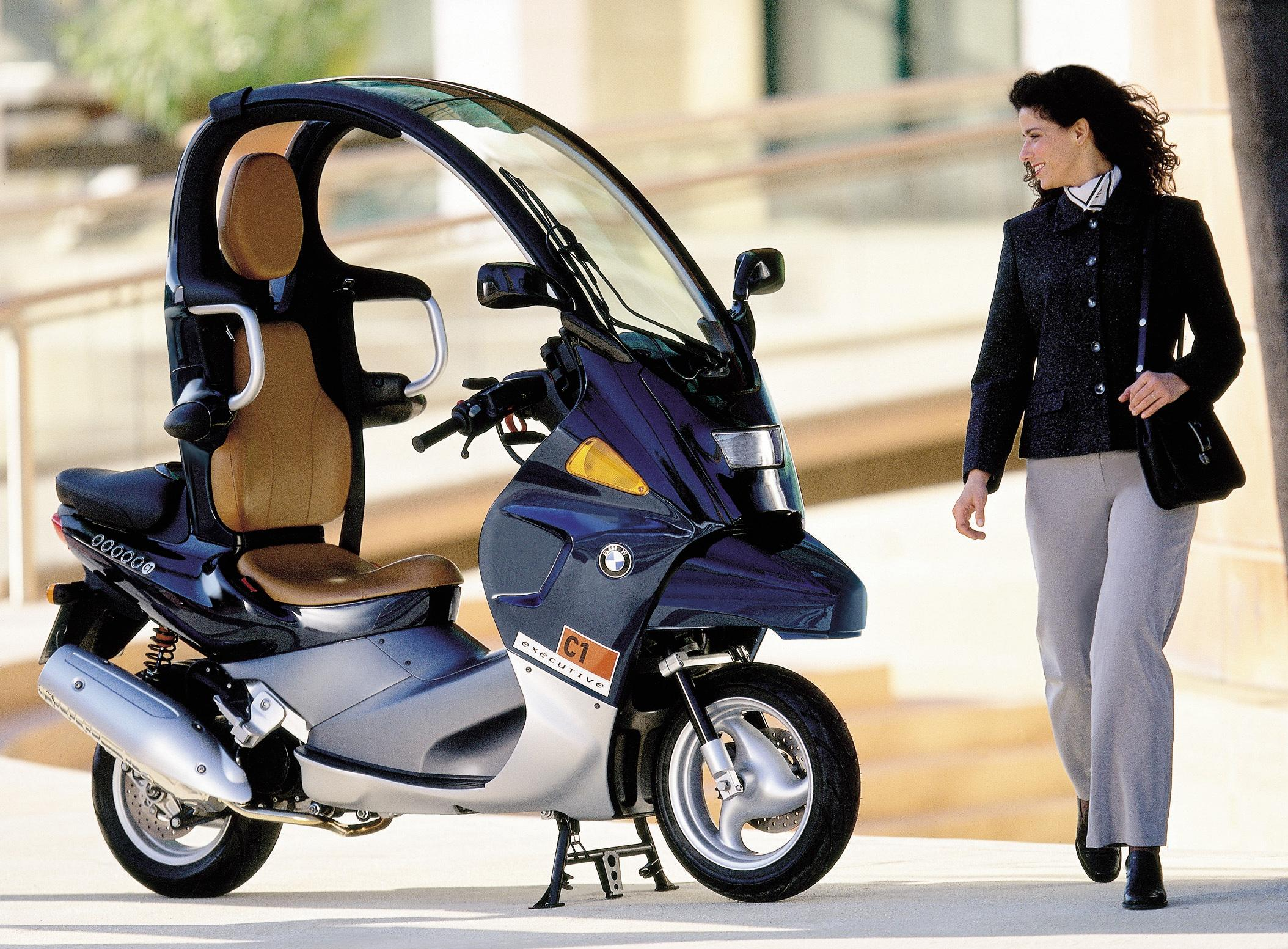 the bmw c1 bmw 39 s first scooter. Black Bedroom Furniture Sets. Home Design Ideas