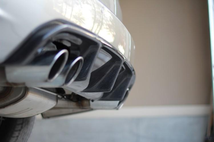 BMW F85 X5M F86 X6M Carbon Fiber Diffuser 750x500