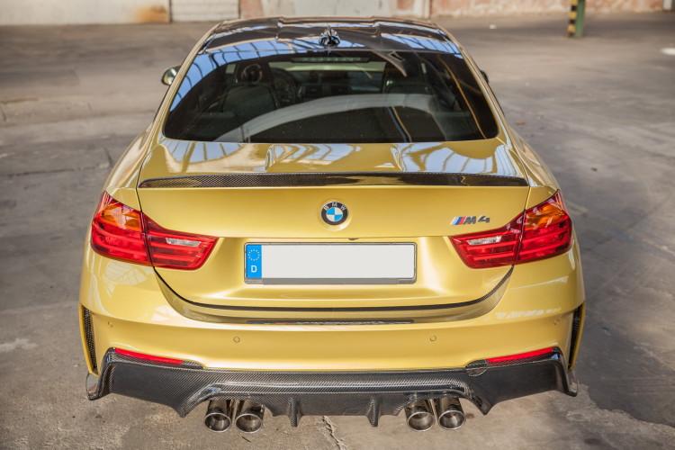 BMW M4 6 750x500