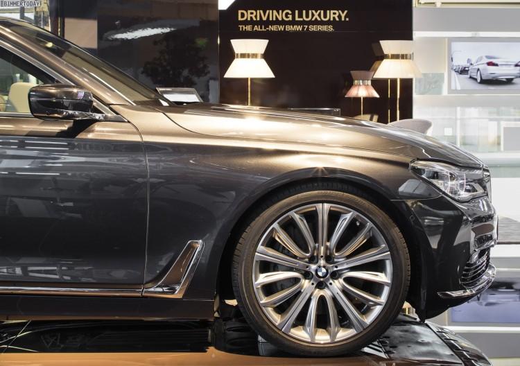 BMW Welt 2015 7er G11 G12 05 750x528