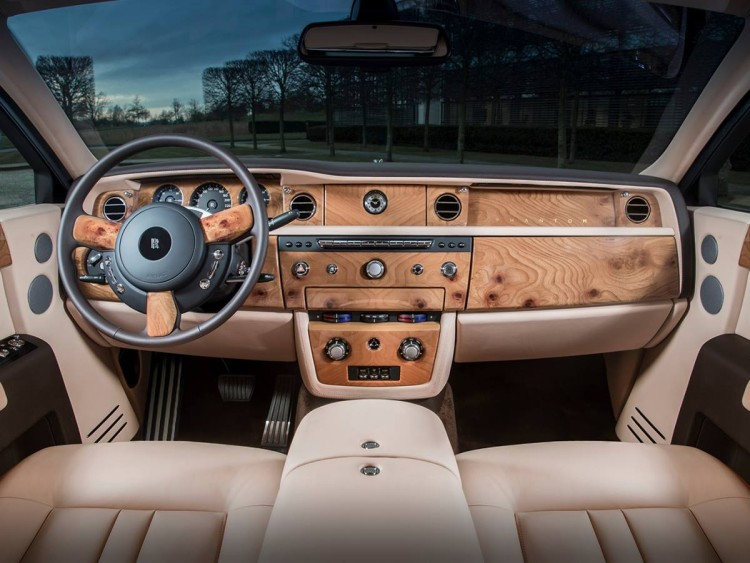 SPIED: 2018 Rolls Royce Phantom Interior