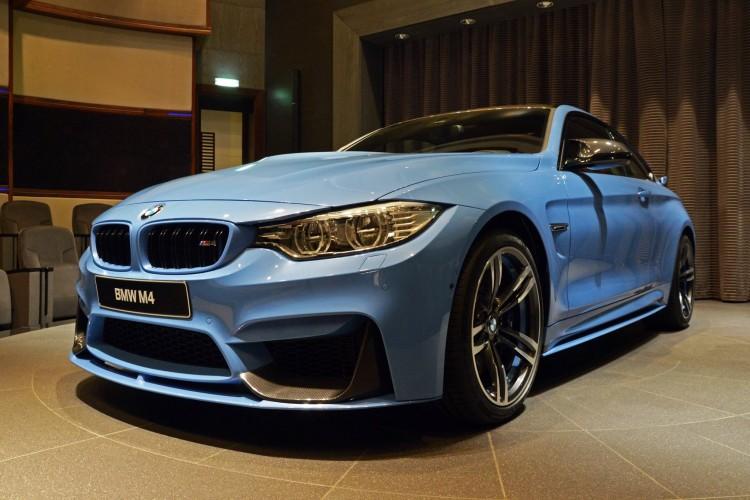 Yas Marina Blue BMW M4 Abu Dhabi 750x500