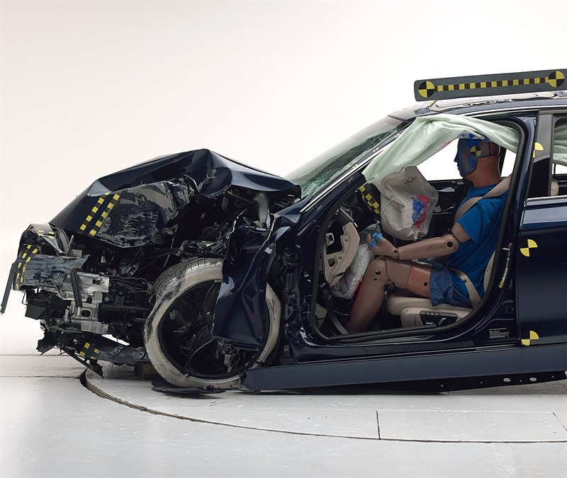 2016 Bmw 3 Series Receives Marginal Iihs Score