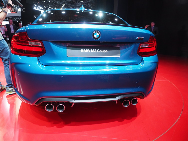 2016 BMW M2 NAIAS 21 750x563