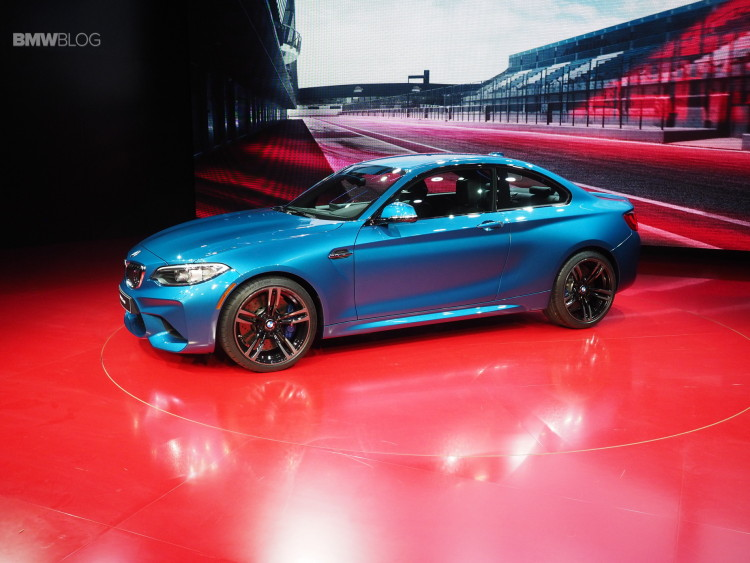 2016 BMW M2 NAIAS 29 750x563