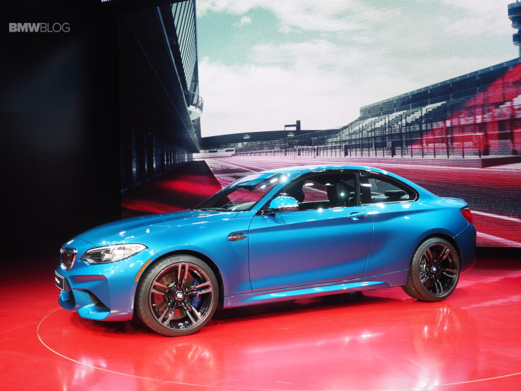 2016 BMW M2 NAIAS 31 750x563