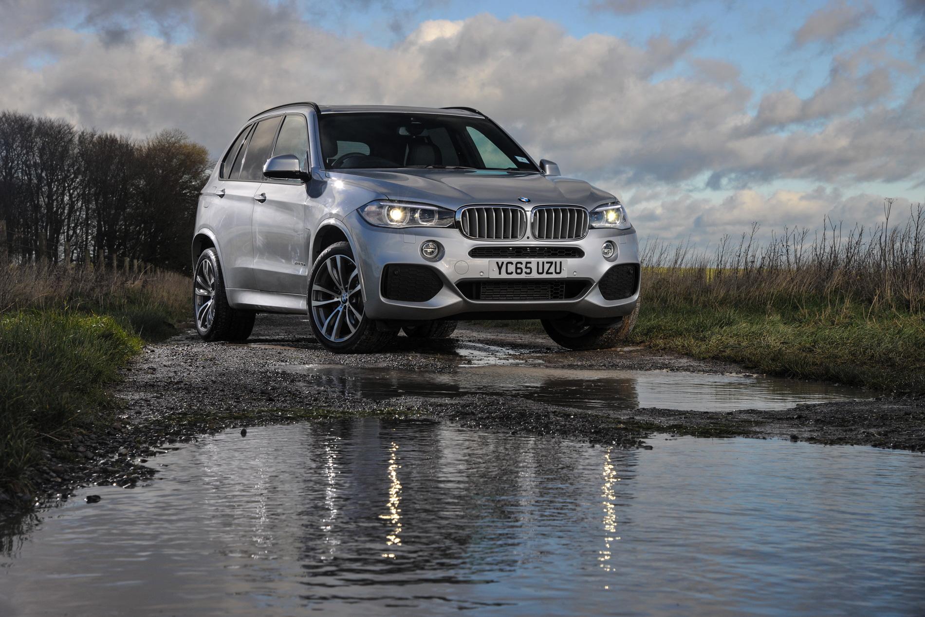 2016 BMW X5 xDrive40e images UK 18