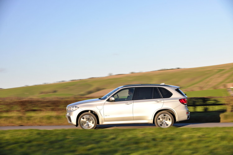 2016 BMW X5 xDrive40e images UK 33 750x500