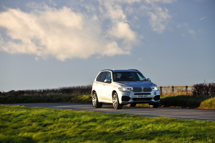 2016 BMW X5 xDrive40e images UK 37 750x500