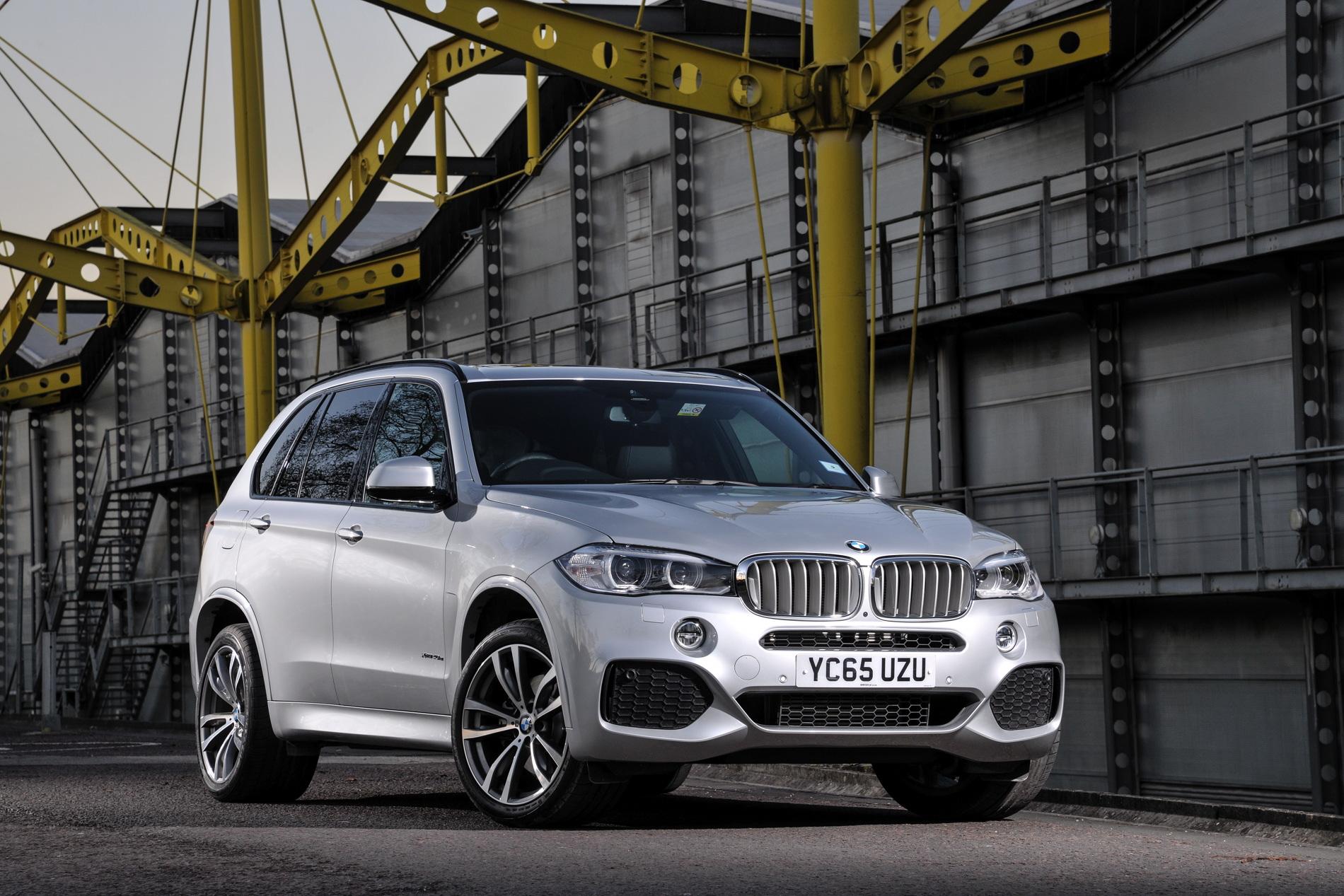 2016 BMW X5 xDrive40e images UK 40