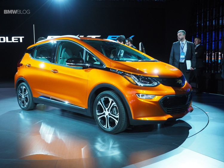 2016 Chevy Bolt Detroit Auto Show 1 750x563