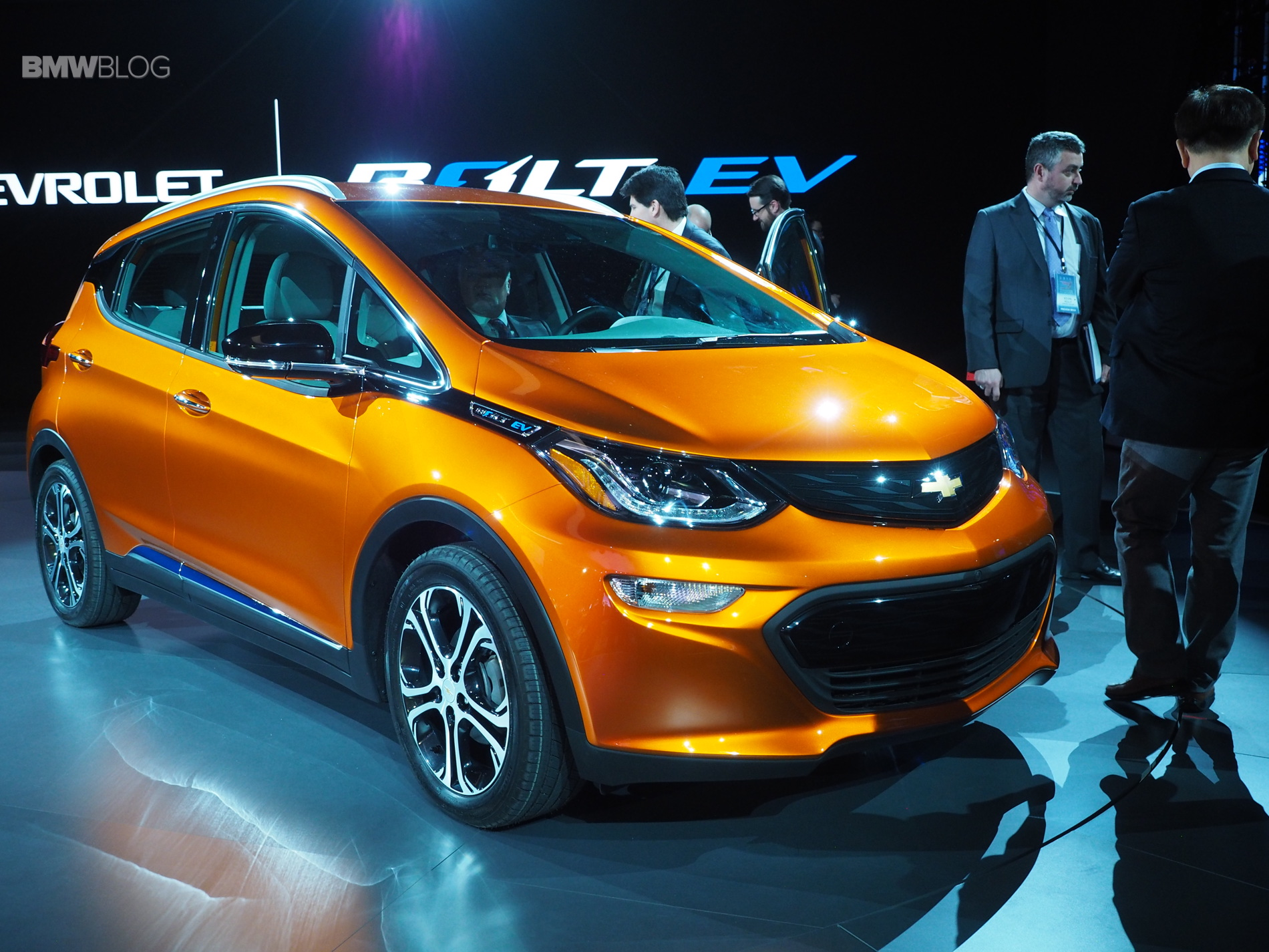 2016 NAIAS: Chevy Bolt makes its auto show debut