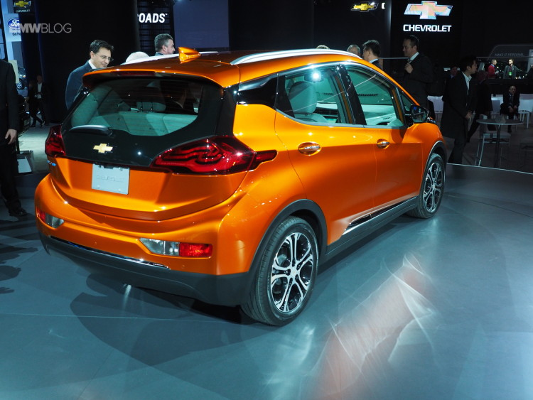 2016-Chevy-Bolt-Detroit-Auto-Show-5