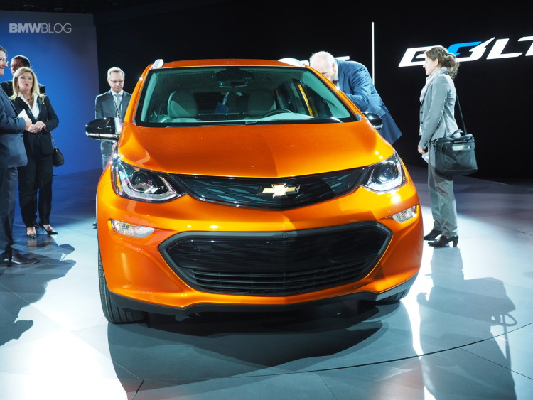 2016-Chevy-Bolt-Detroit-Auto-Show-8